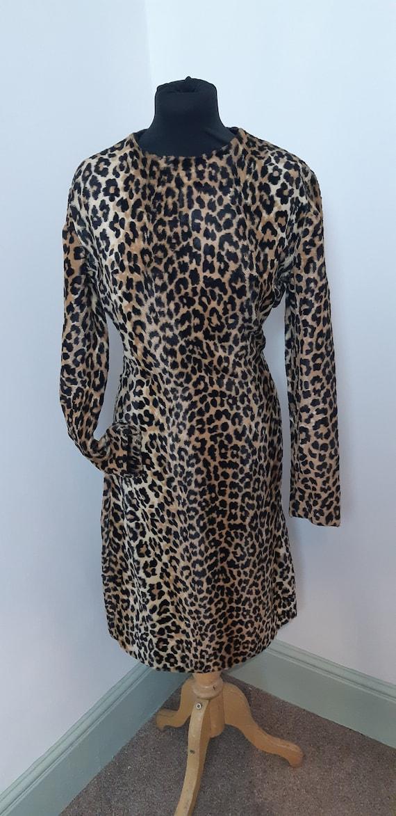 1950s Leopard print wiggle dress