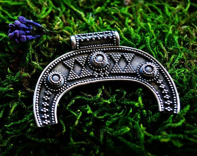Silver lunitsa pendant, Slavic lunar pendant, moon-shaped amulet, Viking pendant