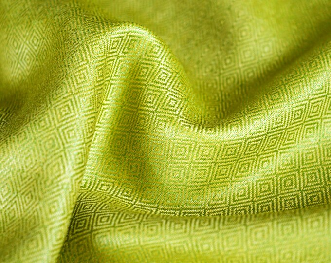 Handwoven diamond twill silk in gold and green, 100% natural silk in diamond weave, Viking fabric, Vendel fabric, historical textiles