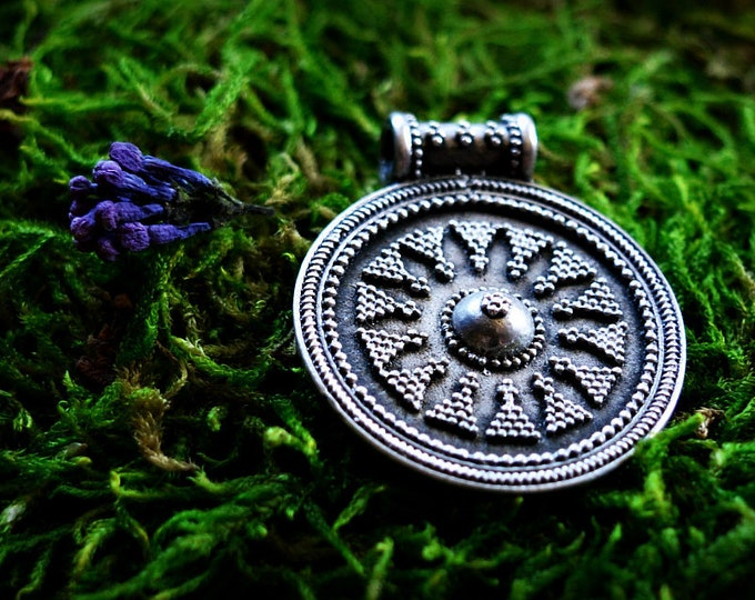 Round silver Viking pendant, silver Viking pendant, shield amulet, historical jewellery, granulation