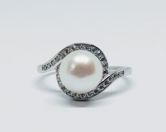 Sterling silver white pearl ring | Statement ring | Multi stone ring
