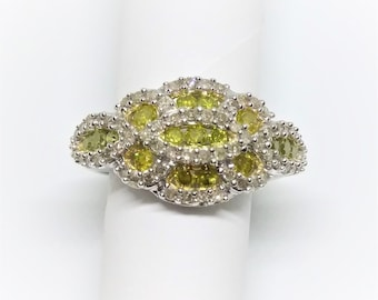 Sterling silver Yellowish Green diamond Cocktail ring