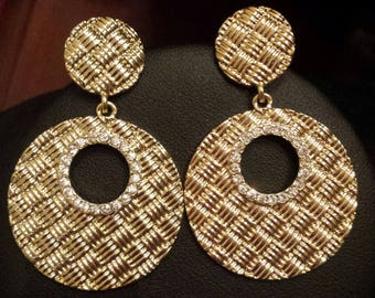 Gold Color Checkered Pattern Cutout Disk Earrings