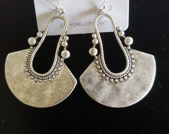 Vintage Silver Color Earrings  with Beaded look  detailing