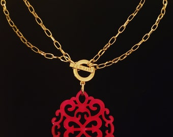Zenzii  Red Damask Medallion Gold Color  Chain