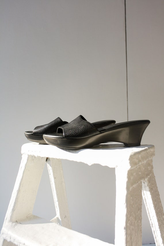 90s 5.5 6 Black Leather Wedge Mules / 90s Leather… - image 5