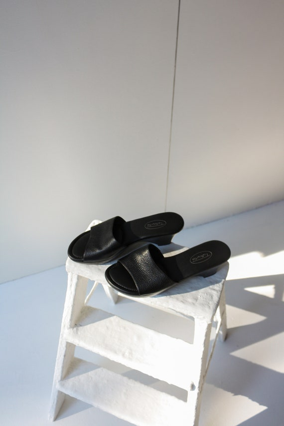 90s 5.5 6 Black Leather Wedge Mules / 90s Leather… - image 4