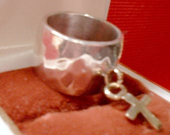 Sterling silver ring with 14kt cross