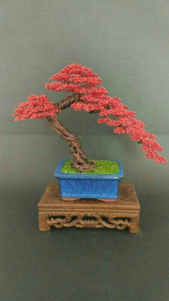 Roter Draht Baum Skulptur