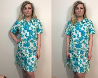 Size 14/16 1970s Floral Print Day Dress Plus Size Vintage