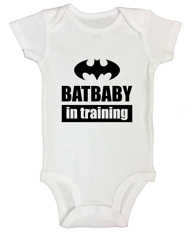 FREE POSTAGE BAT CAVE BATMAN FUNNY SUPERHERO BABY GROW VEST SHOWER GIFT