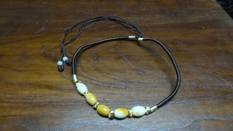 JN019 Barrel Adjustible Chinese Jadeite Choker  Necklace Brown Chinese Knot