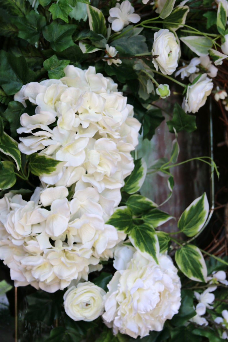 Year Round Cottage Style decor Gift for Mom Double Door Decor Ivory Hydrangea wreath Summer Door wreath Spring wreath for Front door