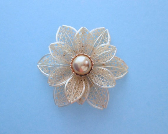 Celluloid Flower Pin ~ 30s Flower Pin ~ Large Flow