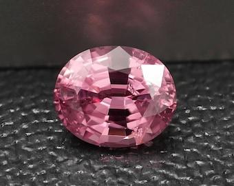 Pink/Red Spinel - Spinel - reddish-Vietnam - 2.905 cts Rose