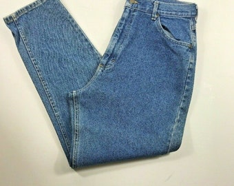5c295739 LEE Vintage Denim Mom Jeans High Rise Size 14 M B526 Medium Wash Denim 100%  Cotton Structured Denim Sustainable Fabric 1980's