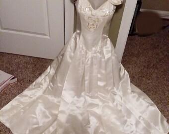 326099f4054 JESSICA McCLINTOCK Size 6 Ivory Wedding Formal Vintage Dress