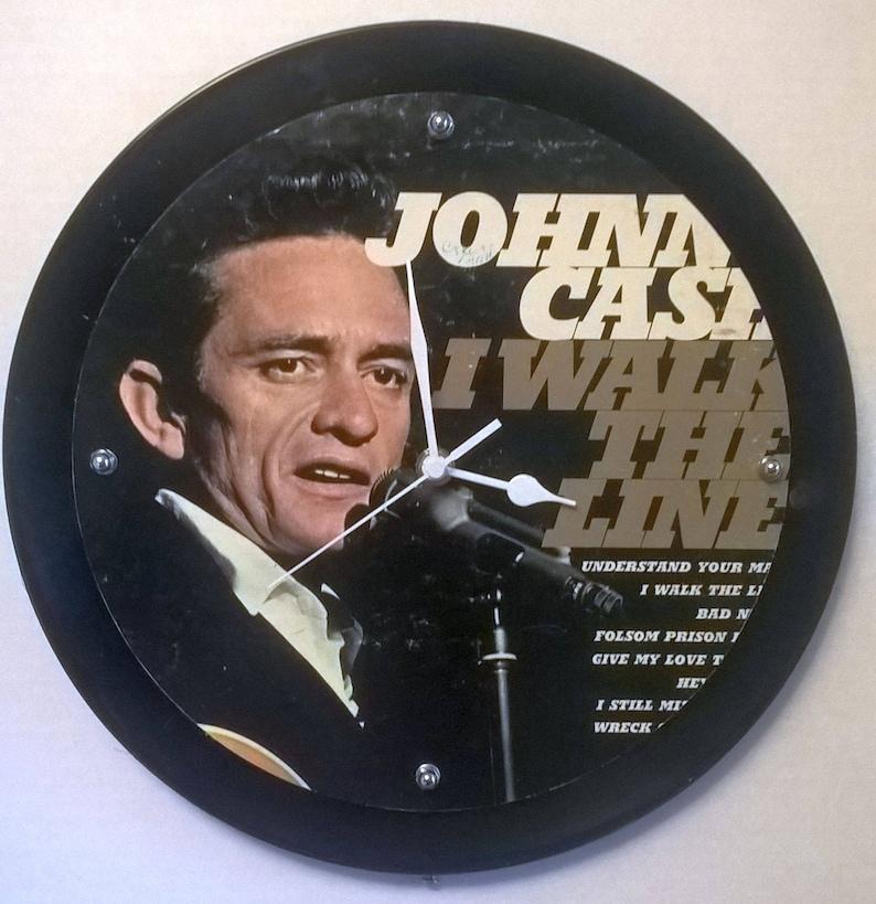 8813f81f871 Johnny Cash I Walk the Line Album Rock Clock