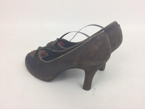 Original 1940s Ladies Shoes - image 2