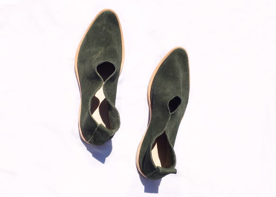 Suede Flat.