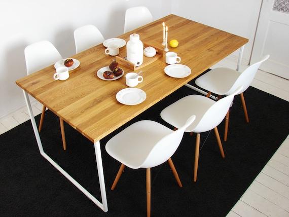 Mesa de comedor BASIC TRE - Mobiliario escandinavo moderno hecho a mano,  Comedor y mesas de cocina, Mesa de madera y marco de acero blanco