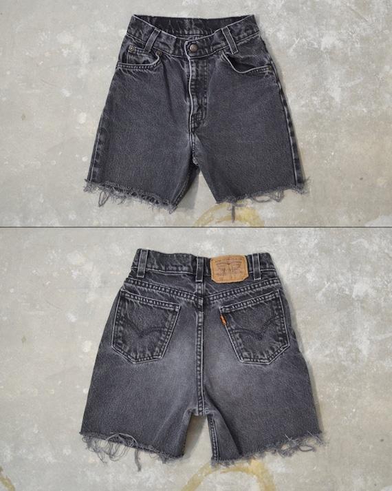 """Vintage Levi's 550 Shorts, 21"""""""