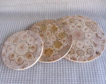Juniper wood heat resistant board,natural coaster, round juniper trivet,rustic home decor, wooden kitchen utensils