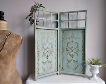 Louis XVI style painted wooden screen