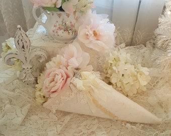 Romantic Vintage Lace Cone Romantic Ivory Fabric Cone Tussie Mussie Pink Vintage Lace Cone Romantic Shabby Chic Cottage Decor Cone
