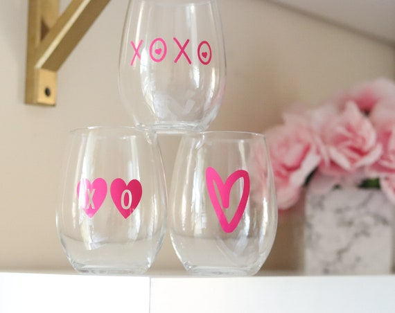 Valentine's Day Wine glass | Valentine's Glass | Valentine's Gift | Galentine's Day Gift | Galentine's Day Wine glass | Gift for Friend |
