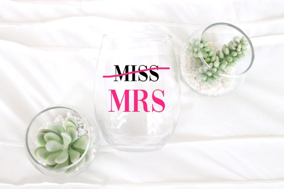 Miss to Mrs Wine glass | Wedding Wine Glass | Engaged Wine Glass | Free Personalized Wine glass | Miss to Mrs | Fiance Wine glass | Proposal