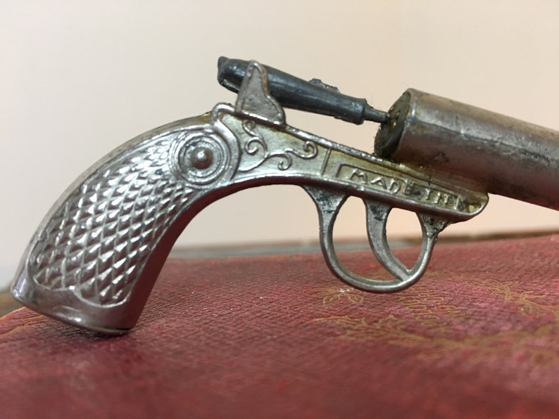 Vintage Pistol Slide Whistle VERY RARE Made in Japan Collectible Metal Toy  Gun Slide Whistle Novelty Pistol Whistle Old West Novelty