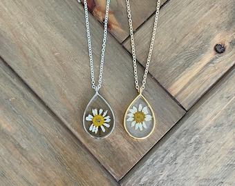 Teardrop Pressed Chamomile Flower Necklace