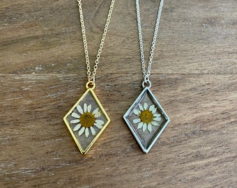 Pressed Chamomile Flower Necklace