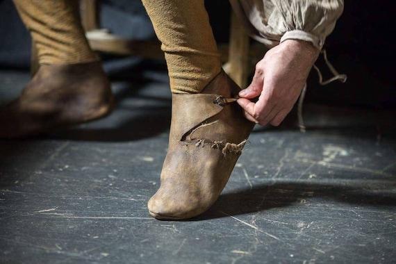 Mittelalterliche Lederstiefel mit weicher Sohle; hedeby Stiefel; mittelalterliche Lederschuhe; Wikinger Schuhe; keltische Stiefel; Naturlederschuhe;