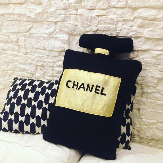 Cuscini Chanel.Chanel Perfume Pillow Etsy