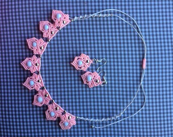 Set macrame necklace and earrings