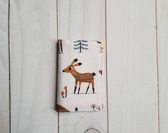 Card holders two compartments, animal fabric of the forest. Badge holder