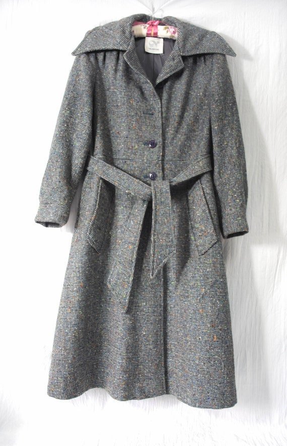Neusteter's wool and nylon belted coat, vintage wo