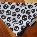 Over the collar cat or dog bandana - black and white skull and cross bones - halloween - FREE SHIPPING