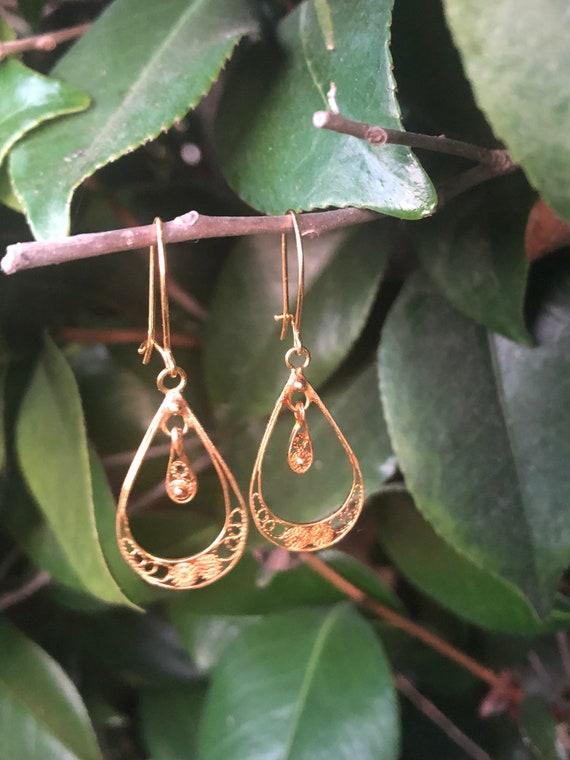 18k Gold Vintage Teardrop Earrings  - Drop  Filigr