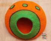 Large Felt Cat Cave (40 cm or 16 Inches Diameter) Cat Bed Pet Bed Puppy Bed Cat House. 100 Wool