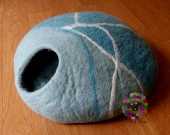 Large Size Felt Cat Cave  (40 cm or 16 Inches Diameter) Cat Bed / Pet Bed / Puppy Bed / Cat House. 100 % Wool Natural Color