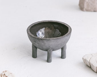 Ceramic Berry Bowl, open shelf Decorative Objects , Black Pottery Bowl, Handmade Stoneware Dish, Bowl for Keys