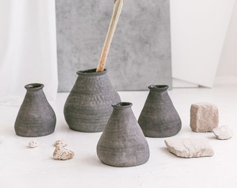 Minimalist Ceramic Bud Vassel, Matte Black Pottery Curvy Vase, Flower Pot