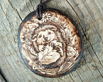 Forest animal necklace pendants wood gifts: squirrel jewelry, hedgehog jewelry. Animal forest jewelry hedgehog necklace / squirrel necklace