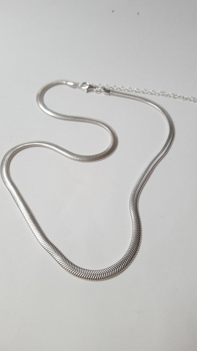 51f5d325e3f7 Collar serpiente plana de plata cadena grande serpiente plana