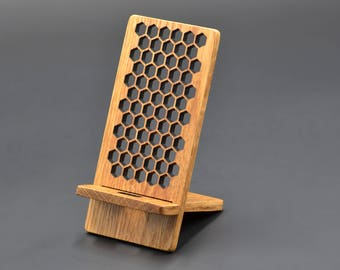 Honeycomb style wooden iphone/Android Charging Stand, Phone Stand, Cell Phone Charging Station, honeycomb decoration shelf for SmartPhone
