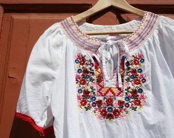 Embroidered blouse, Boho blouse, Vintage blouse, Ethnic blouse, Hungarian blouse, Matyo embroidery, Bohemian blouse, Boho top, Festival top