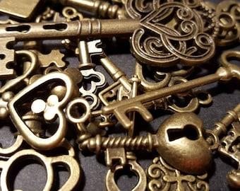 16 Vintage Antiqued Bronze Keys